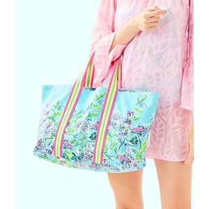 LILLY PULITZER Lillys Lagoon Tote Bag NWT